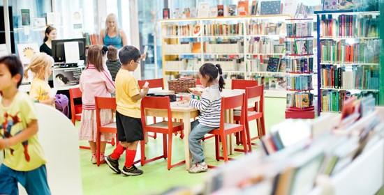 Kirjasto on tärkeä lapsiperheiden kunnallinen palvelu