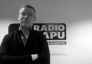 Asumisen hinta alas ry:n puheenjohtaja Eric Hällström kävi puhumassa Lohikoski - puhetta politiikasta keinosta saada asumisen hintaa laskettua