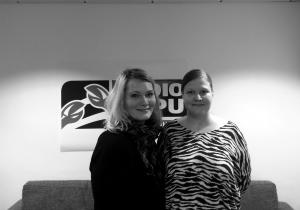 Jenni Sorvari ja Katja Boman vieraanani kertomassa Huoli 2015 -kampanjasta ja mielenterveystyönarjesta ohjelmassa Lohikoski - puhetta politiikasta