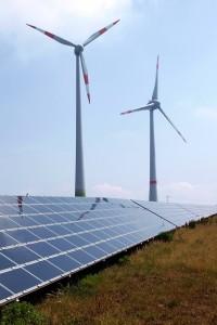 On panostettava tuulivoimaan ja aurinkovoimaan, sanoo Vasemmistoliiton Pia Lohikoski Uusimaa